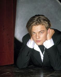 Imagem de leonardo dicaprio, boy, and Hot Beautiful Boys, Pretty Boys, Beautiful People, Leonardo Dicapro, Young Leonardo Dicaprio, Celebs, Celebrities, Cute Guys, Actors & Actresses
