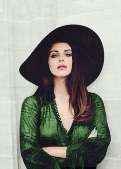 Fall colors, loving the emerald and jewel tones. oh yea and Lana del rey is a bombshell #womancrusheveryday