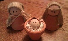So cute terra cotta pot Nativity idea.