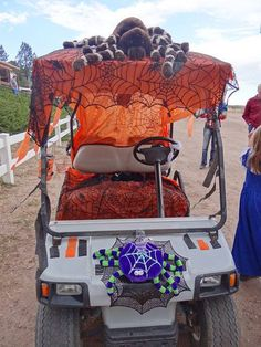 Decorated golf cart at Jellystone Park Larkspur; just one of many contests their guests will enjoy. Golf Halloween, Halloween Camping, Halloween Parade, Halloween 2020, Halloween Crafts, Halloween Decorations, Halloween Stuff, Halloween Ideas, Campsite Decorating