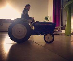 Vrai tracteur ou jouet? (Avec @chrismanix) #vraioufaux #toy...