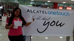 Ella es Diana Muñoz, feliz ganadora con #MomentosOneTouchDePelicula