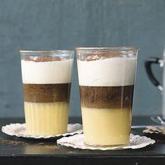 Der Liebling aller Frauen mit Eierlikör und Sahne! Ein Schuss Espresso sorgt bei unserem Rezept für den Wachmacher-Effekt.