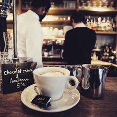 Trop dur la reprise ! Du coup, on se réconforte avec un bon chocolat chaud aux enfants perdus dans le 10ème pour bien démarrer la semaine :D Un des meilleurs de Paris !  #Paris #Commercants #villagemap #VM #parisjetaime #chocolatchaud #hotchocolate #breakfast #lesenfantsperdus #paris10 @restaurantlesenfantsperdus
