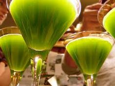 From the Garden To the Tea Cup: St. Paddy's Day Matcha-Tini Recipe