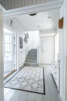 Wooden floors in the hallway