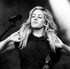 Ellie Goulding being perfect