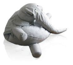 Wow, en skön elefant. Swiss-miss gräver fram fantastiska saker. En sådan skulle jag vilja ge mina barn.