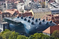 Austria's Blob-Shaped Kunsthaus Graz Art Museum Generates its own power ...