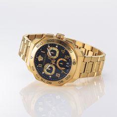 銀座店限定ウォッチを発売!──VERSACEのフラッグシップストアがオープン|メンズ高級腕時計ニュース|GQ JAPAN