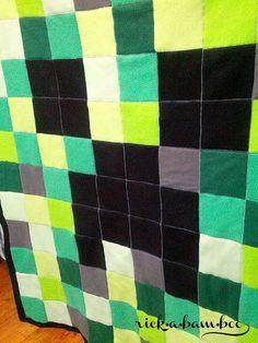 Minecraft Creeper Fleece Blanket   rickabamboo.com   #DIY #pattern