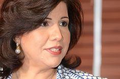Hasta febrero del 2003,  Margarita Cedeño era una persona desconocida,  al menos para la opinión pública,  pero desde que en febrero de ese año se le anunció como la esposa de Leonel