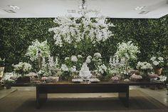 Claudia Pavani e Caio Lara tiveram um lindo casamento no Contemporâneo 8076, em São Paulo. A decoração ficou por conta da Flor e Forma.