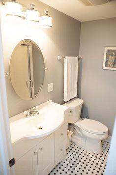 banheiro pequeno claro