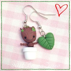 Earrings Groot ~ Cute Chibi Marvel Earrings Polymer Clay Fimo Jewellery charms Galaxy Guardiani families Kawaii Comics Leaf