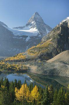 Mount Assiniboine and Sunburst Lake, British Columbia, Canada. By Kevin Schafer Landscape Photography Tips, Landscape Photos, Amazing Photography, Wedding Photography, Cool Landscapes, Beautiful Landscapes, British Columbia, Columbia City, Nature