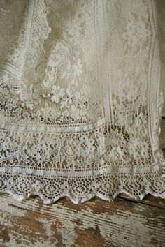 love the vintage lace...