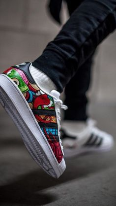 Adidas Superstar. KAWS. Vans Shoes Fashion, Adidas Fashion, Custom Sneakers, Custom Shoes, Adidas Boots, Outfits Hombre, Nike Air Shoes, Fresh Shoes, Everyday Shoes