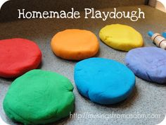 this non-toxic homemade playdough recipe uses common kitchen ingredients, is cheaper than store-bought playdough, and it takes less than 10 minutes to make. I made 6 batches in 30 minutes. Pretty awesome, huh?