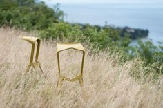 Sedia Miura ( Miura chair ) http://www.idfdesign.com/outdoor-bar-cafe-stools/miura-mod-8200-00.htm [ #plankdesign #outdoor #designfurniture #designicons #idfdesign #barstool ]