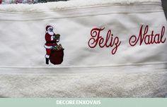 Toalha de Banho com Bordado de Natal.