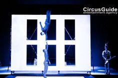 Circus Acts, Color Themes, Color Blocking, Cube, Acting, Entertaining, Wall, Walls, Funny
