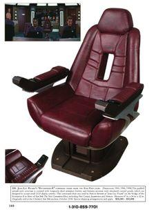 Minha cadeira gamer!! HEhehe  (Star Trek)