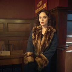 Sophie Rundle as Ada Shelby in Peaky Blinders Ada Peaky Blinders, Peaky Blinders Costume, Peaky Blinders Theme, Peaky Blinders Series, Sophie Rundle, Sophie's Choice, Vintage Outfits, Vintage Fashion, Annie Leibovitz