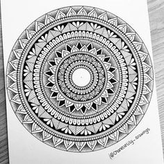 Finished mandala Informations About Chanelle Maggs Mandala Doodle, Easy Mandala Drawing, Mandala Sketch, Mandala Art Lesson, Mandala Artwork, Doodle Art Drawing, Mandala Stencils, Mandalas Drawing, Beginner Yoga