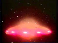 Según un portal del citado país, un automovilista y motociclista narraron sus insólitas experiencias con extraterrestes. VEA MÁS: Esto hizo un OVNI al aparecer en una tormenta eléctrica (VIDEO)...