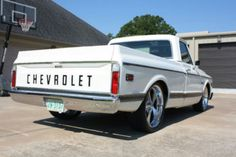 Sno white 72 Chevy