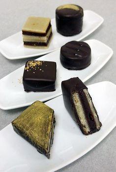Νηστίσιμο σοκολατάκι με αμυγδαλόπαστα και γκανάζ σοκολάτας | ION Sweets
