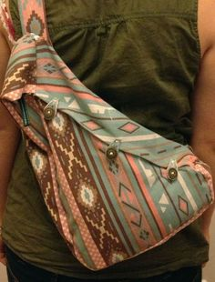 skirt to one sholder back bag Sewing Crafts, Sewing Projects, Sewing Ideas, Diy Crafts, One Shoulder Backpack, Shoulder Bag, Keep Calm And Diy, Snitches Get Stitches, Back Bag