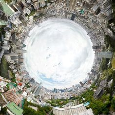 Visit the site to explore every part of this panoramic photo of Tokyo by Jeffrey Martin