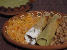 La Cocina de Leslie: Flautas de Bistec with Roasted Tomatillo Salsa
