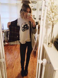 OOTD // Hello! Brandy Melville tshirt + cardigan, frankie phoenix plaid, dark green skinnies, maroon Zara cut out ankle boots  happy wednesday!!!