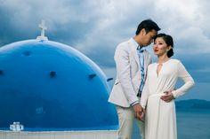 Wedding Photographer in Santorini / Oia for Chinese Couple - Aeginaphotographer Santorini Wedding, Greece Wedding, Pre Wedding Photoshoot, Wedding Places, Santorini Greece, Wedding Season, Athens, Portrait Photographers