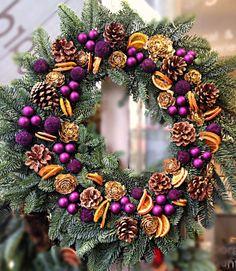 Wreath - Oranges, Cones, Wooden roses, Baul bauls, Euc Balls