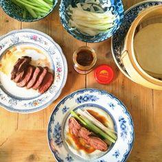 Easy Mondays - Pekingeend pannenkoekjes - The Lion Kitchen Fresh Rolls, Tuna, Sausage, Mondays, Fish, Meat, Ethnic Recipes, Kitchen, Indian