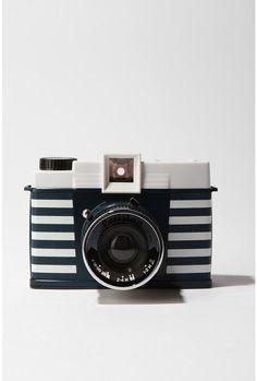 A Parisian Diana Striped Camera Old Cameras, Vintage Cameras, Photography Camera, White Photography, Camera Photos, Foto Fun, Photo Deco, Photo Portrait, Camera Obscura