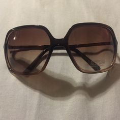 New oversized Kenneth Cole sunglasses! New with tags, brown Kenneth Cole reaction sunglasses. Comes with dust bag. Kenneth Cole Reaction Accessories Sunglasses