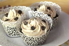 chocolate chai cupcakes with vanilla chai buttercream