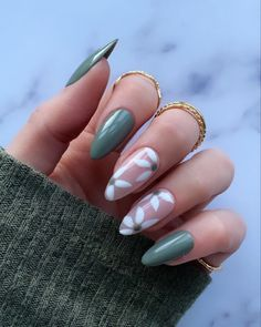 Simple Acrylic Nails, Almond Acrylic Nails, Acrylic Nails Green, Almond Nail Art, Acrylic Nails With Design, Acrylic Nails Designs Short, Painted Acrylic Nails, Green Nail Art, Acrylic Gel