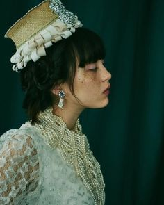Image about モトーラ世理奈 in 2020 by 5884 on We Heart It Pretty People, Beautiful People, Shadow Face, Freckles Girl, Pose Reference Photo, Aesthetic People, Quirky Fashion, Japanese Aesthetic, Brown Aesthetic