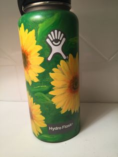 ANOTHER HYDRO FLASK! #flower #sunflower #green #yellow #spring #medow