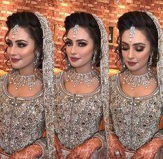 Pakistani Bridal Jewelry, Indian Bridal Makeup, Asian Bridal, Pakistani Wedding Dresses, Bridal Hair And Makeup, Indian Dresses, Bridal Dress Design, Bridal Style, Indian Muslim Bride