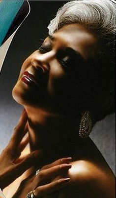The stunning elegance & beauty of the legendary Miss Nancy Wilson<3 - Hinesman