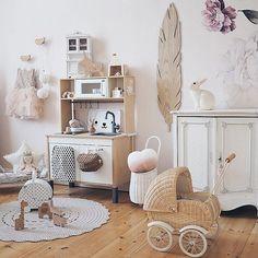 Good morning Traditionally my morningcoffeepicture for the beginning of the day - amazing @__katharinamaria and her beautiful styling including our doily rug(available now at the shop) Have a lovely Saturday people! . . . . #zurihouse #scandidesign #scandihome #scandinursery #nordicnursery #scandinaviandesign #cosyhome #cosyhomes #cosyhouse #cosyliving #nurserydecor #nurseryinspo #kidsroom #doilyrug #crochetedrug #crochetrug #beigerug #ecrurug #creamrug #grannyrug #girlsbedroom…