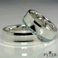 7affc32642a DETALHES DO PRODUTO A Pyter Joias e acessórios apresenta este lindo par de  alianças para namoro