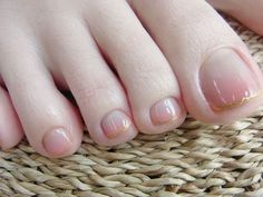French manicure gold toes - The nails are made with love by Masako MOCHIHARA Cute Toe Nails, Fancy Nails, Toe Nail Art, Love Nails, Feet Nail Design, Toe Nail Designs, Feet Nails, Pretty Nail Art, Gorgeous Nails